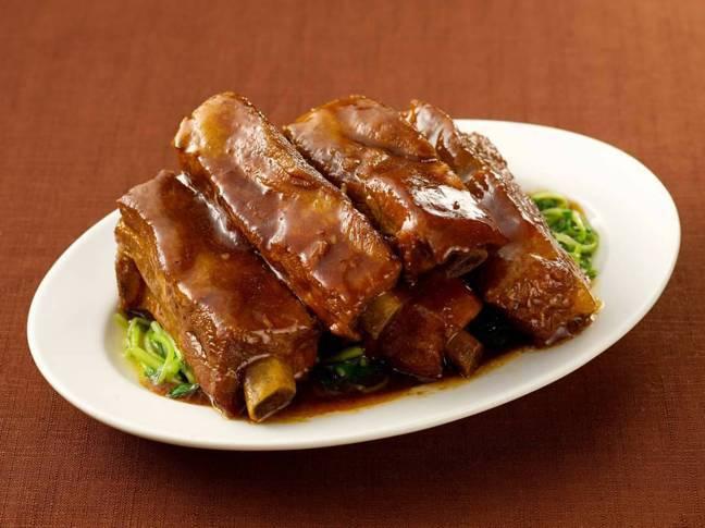 傳統江浙名菜「無錫肉骨頭」。圖/郭文章提供