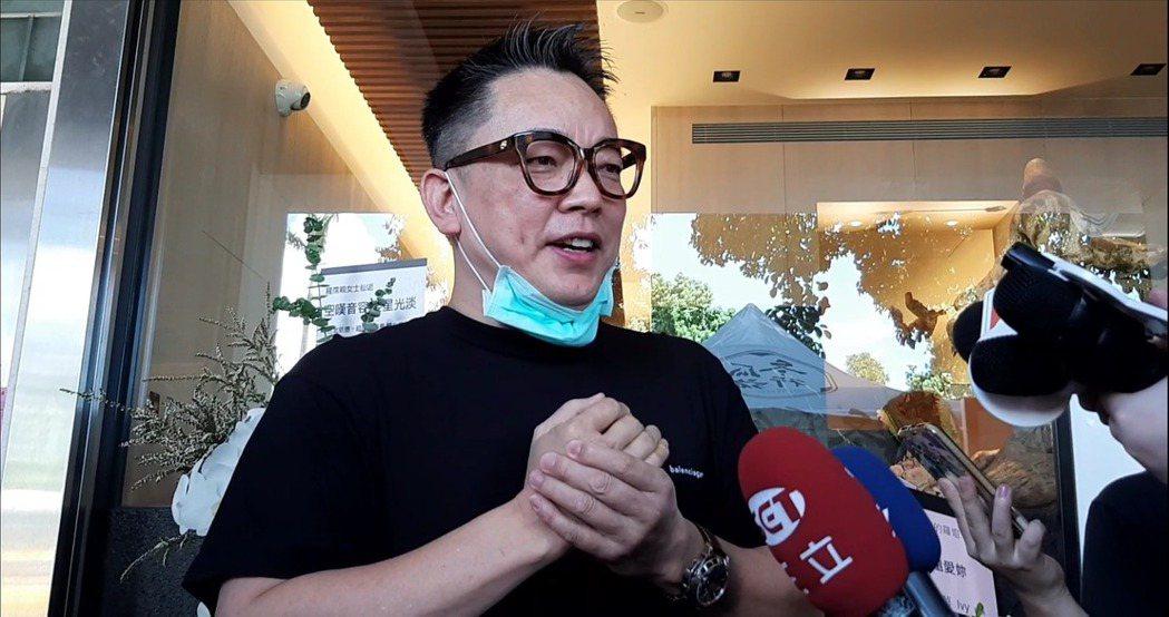 詹惟中表示羅霈穎是很照顧人的前輩。記者林怡秀/攝影