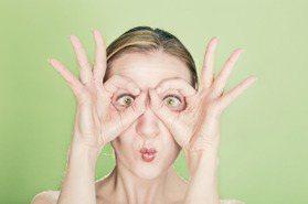 每個人100%做6動作!讓肌膚提前老化,噴香水還會長斑