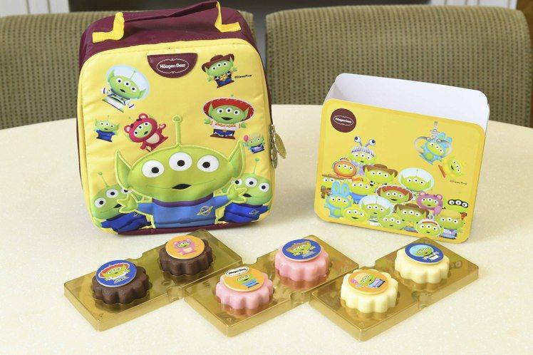 Häagen-Dazs推出玩具總動員25周年限定冰淇淋月餅禮盒「童心繫夢」,每盒...