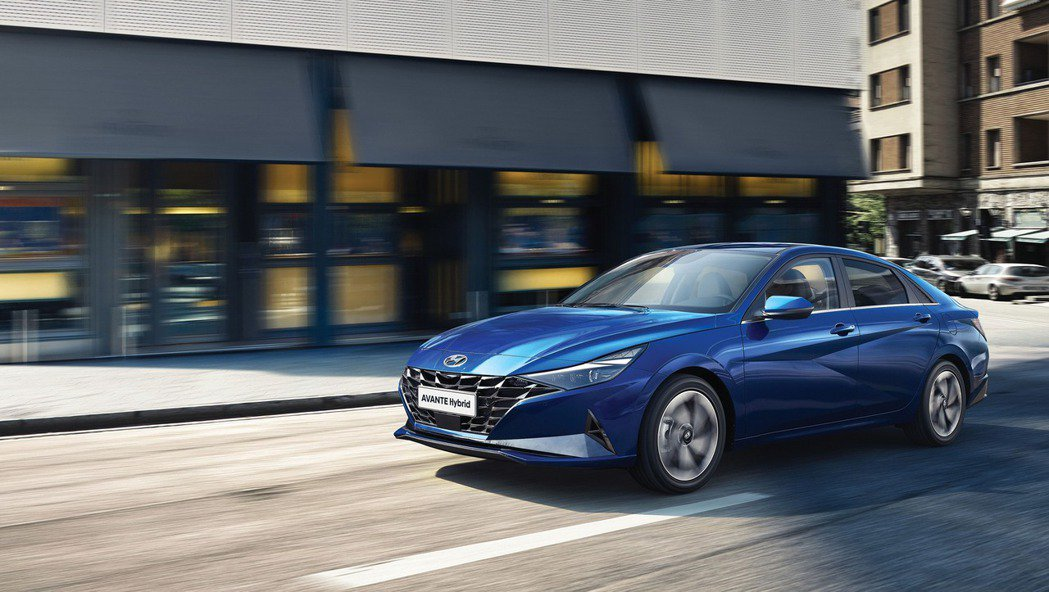 Hyundai Elantra/Avante車系30年的歷史上,首度新增了Hyb...