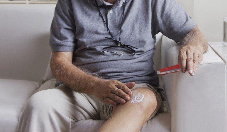沒用完的藥膏可以當保養品使用嗎?圖/ingimage