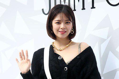 TWICE成員俞定延因健康上的問題將不參與「2020 SORIBADA BEST K-MUSIC AWARDS」頒獎典禮。13日,JYP娛樂通過TWICE官網表示「成員定延因健康上的問題,無法參加本...