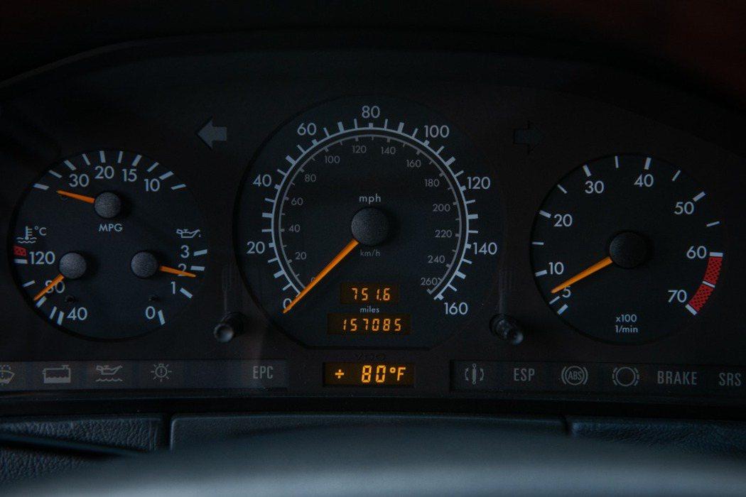 但實際上已經跑了157,000英里(約25萬公里)。 摘自Beverlyhill...
