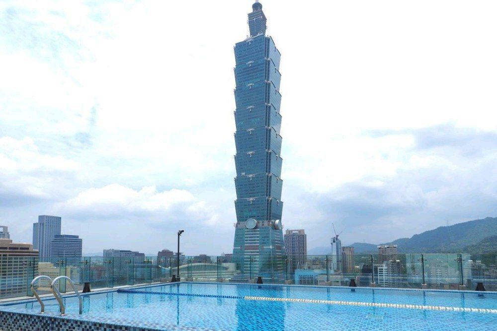 台北市知名的小豪宅是很多名人最愛的居住地,日前發生主委糾紛。圖/摘自爆料公社