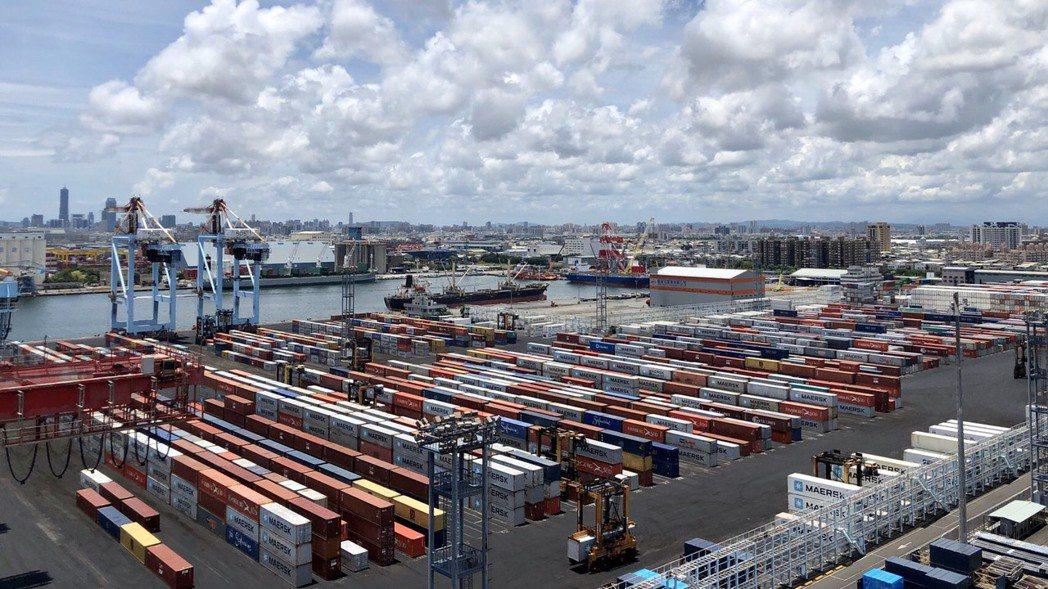 高雄港76、77、78號貨櫃碼頭。圖/台灣港務公司提供