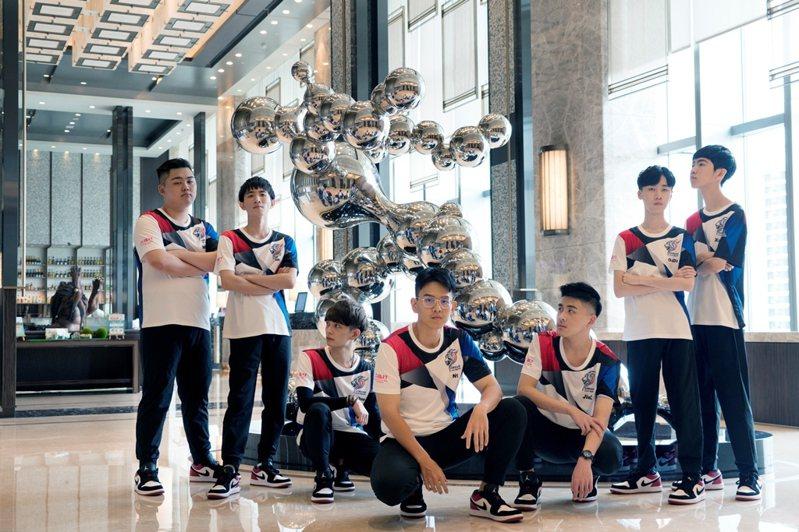 六福旅遊集團率觀光業界之先,攜手台灣三星電子,共同扶植電競國家代表隊。圖/六福旅遊集團提供