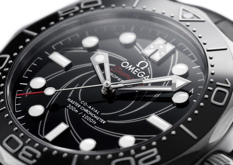 具槍管「膛線(Rifling)」螺旋視覺,是007、也是這只海馬300米潛水腕表...