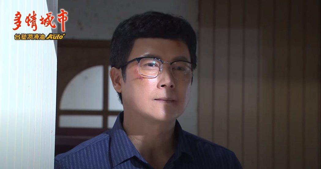 王燦在「多情城市」中飾演大魔王楊三泰。圖/民視提供