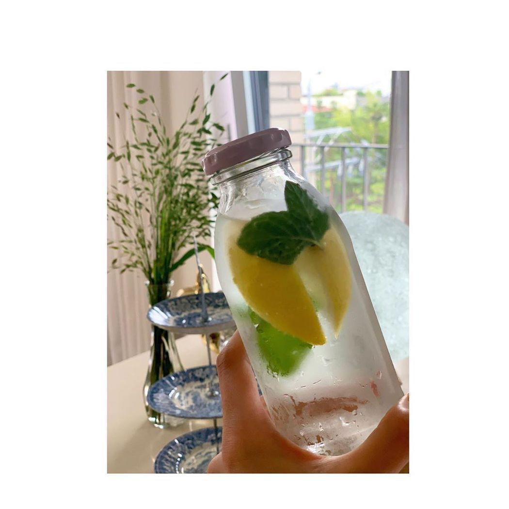 河智苑每天都會吃3顆檸檬。圖/摘自IG