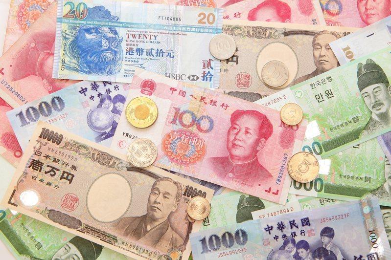 上海綜合指數今天收盤跌1.9%。中國海關今天公布的數據顯示,8月出口和上年同期相比成長加速至9.5%,進口則小幅滑降。本報系資料庫