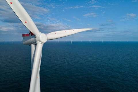 台灣能源供給高度仰賴進口,且在地理條件限制下,陸上風電、太陽能及水力發電發展空間...