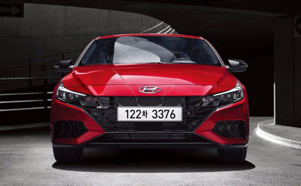 藉由第七代車型的問世,Hyundai Elantra/Avante也正式加入了N...