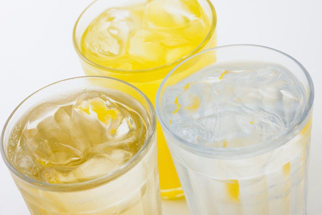 無糖、低糖飲料在夏季很受歡迎。圖/ingimage