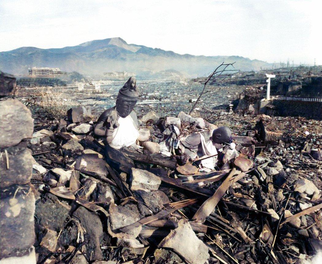 圖為美聯社2020年修復的長崎原爆後歷史照片。 圖/美聯社