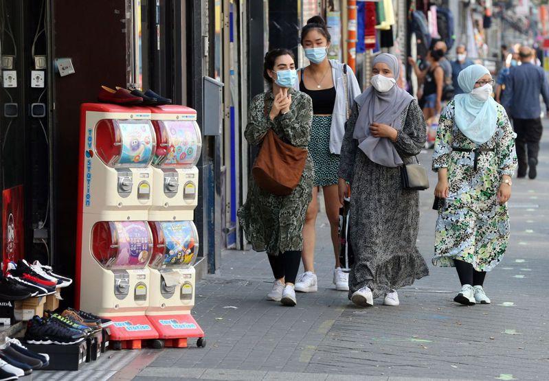 世界衛生組織(WHO)歐洲區域辦事處今天表示,由於防疫措施鬆綁、夏季遵守規範較不嚴謹及病毒檢測增加,歐洲地區2019冠狀病毒疾病(COVID-19,新冠肺炎)確診病例上升。 法新社