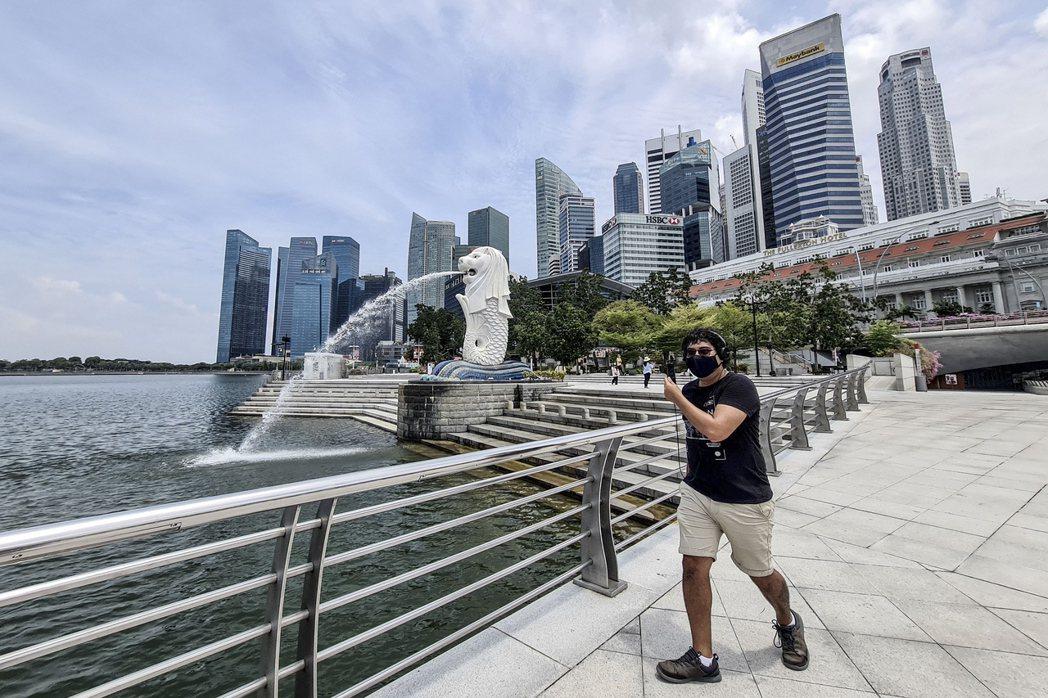 新加坡衛生部今天通報,境內新增83人確診感染新冠肺炎,其中絕大多數是外籍移工,全...
