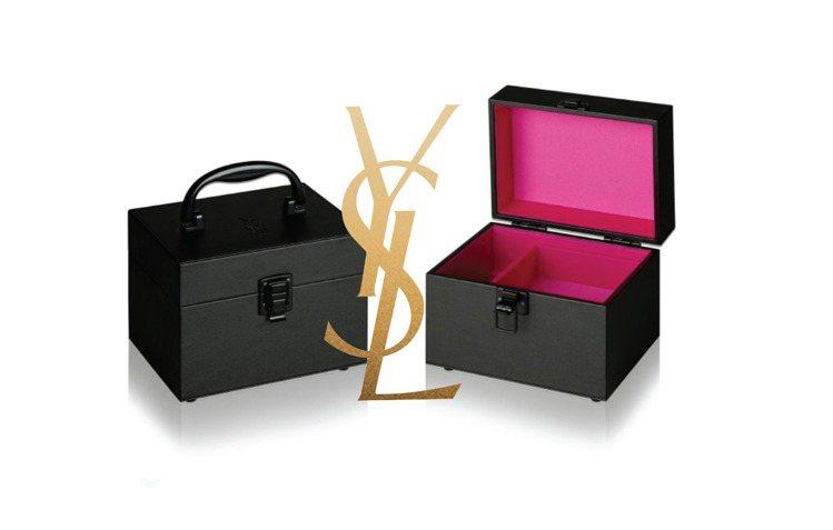 YSL 全新限量恆久完美霧光氣墊粉餅「滿額贈」奢華皮革化妝箱。圖/YSL提供