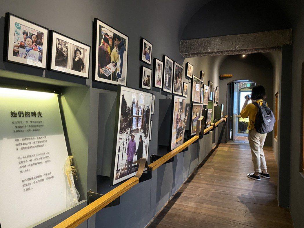 慰安婦博物館「阿嬤家-和平與女性人權館」展出慰安婦影音、照片等相關史料。記者葉冠...