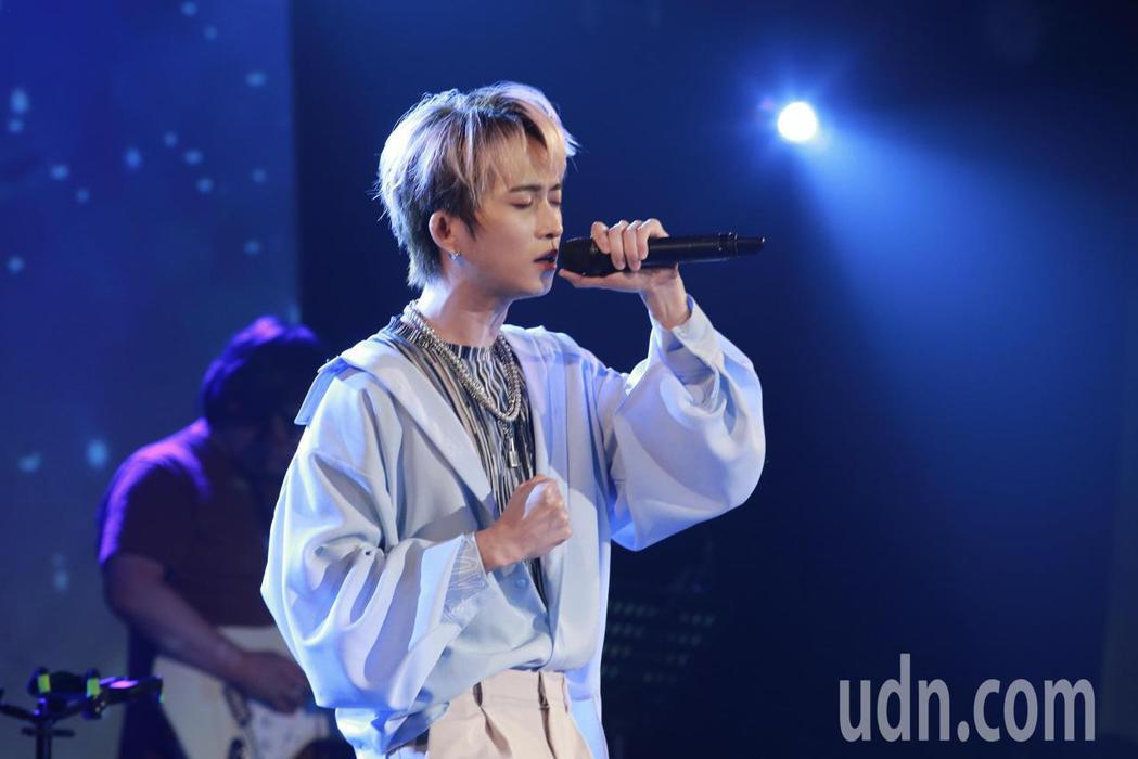 邱鋒澤晚間在華山文創園區舉辦演唱會。記者許正宏/攝影