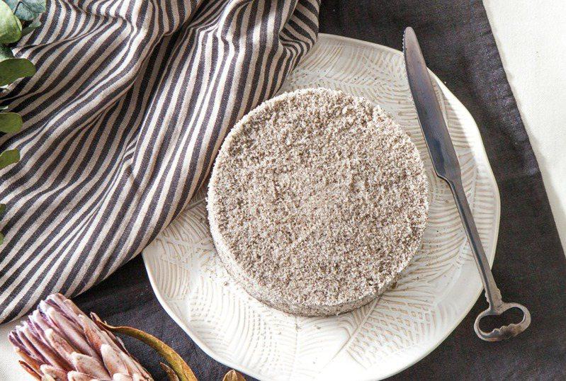 芝麻米蛋糕。圖/台灣廣廈提供