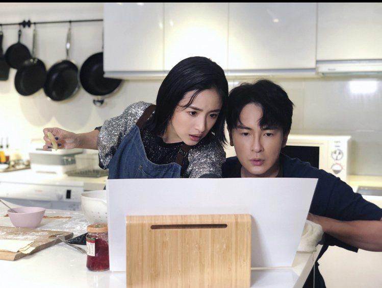 林依晨受邀擔任鄭元暢「不專業廚房」來賓。圖/M.I.E最大國際娛樂提供