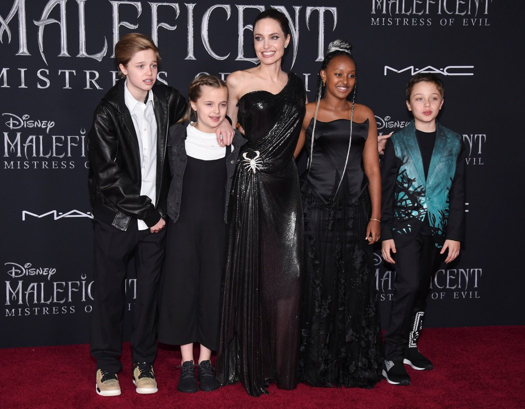 裘莉的孩子們現只會出席母親的新片首映,幾乎不會在父親那邊的活動露臉。圖/路透資料...