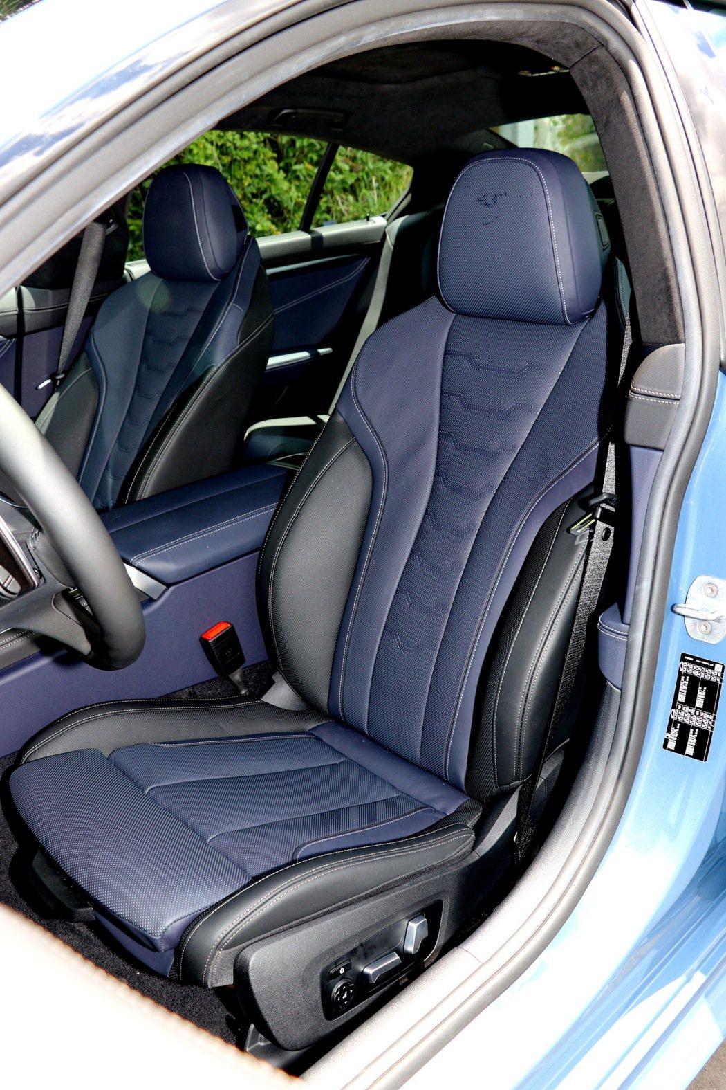 跑車化前座椅具電動調整功能。 記者陳威任/攝影