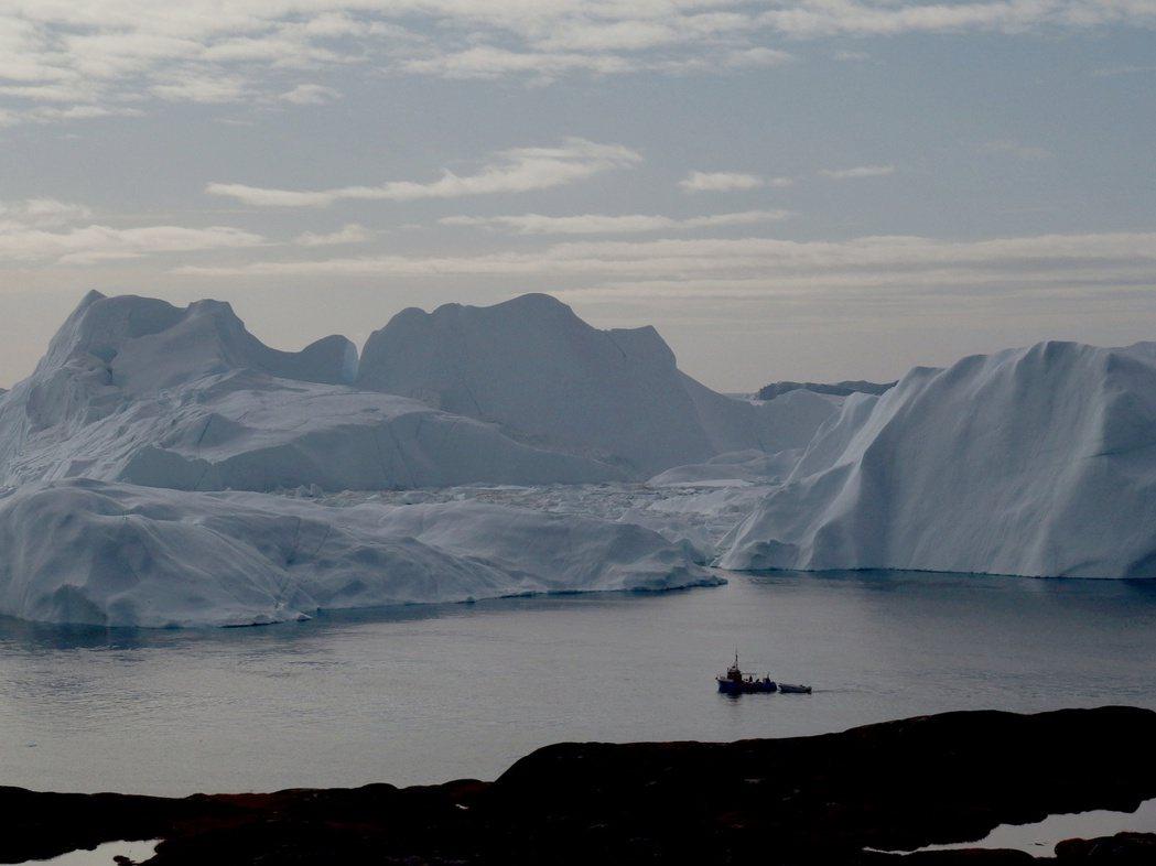 研究指出,格陵蘭冰層可能已經融化到無法挽回的地步。路透