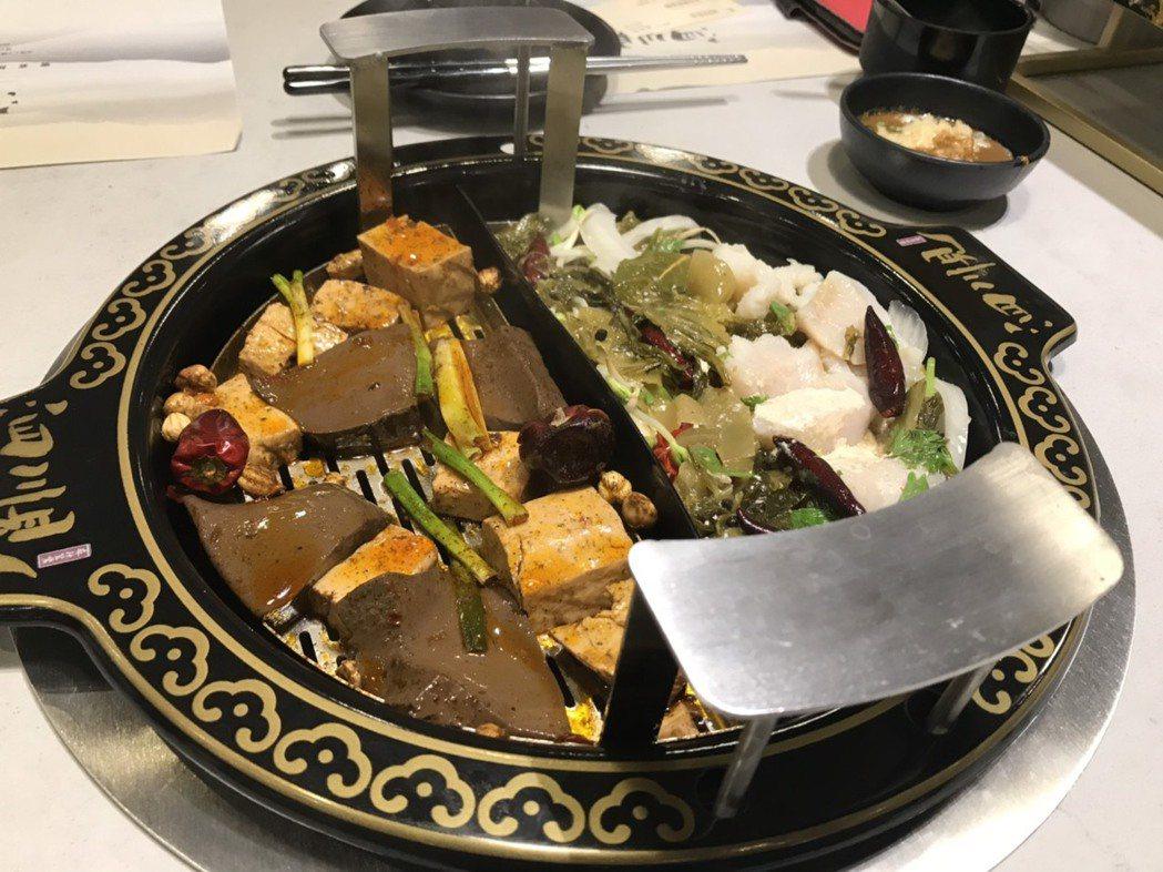 泗川見採用時下最夯的「升降鴛鴦鍋」,讓消費者能輕鬆品嚐煮好的食材,不用再擔心鍋裡...