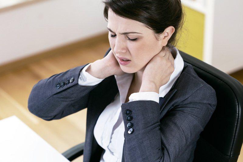 頸椎常出現問題的部位為第五至第六節。圖/123RF