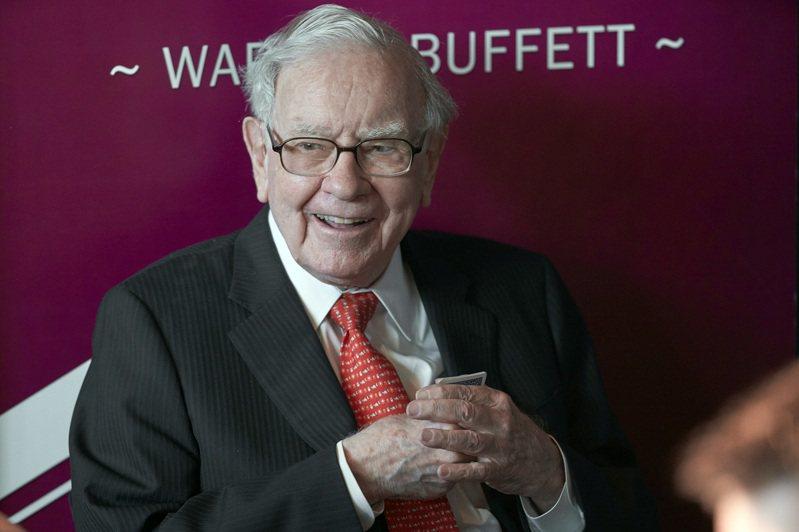 巴菲特的波克夏公司,大幅減持金融股並新增金礦股。 (美聯社)
