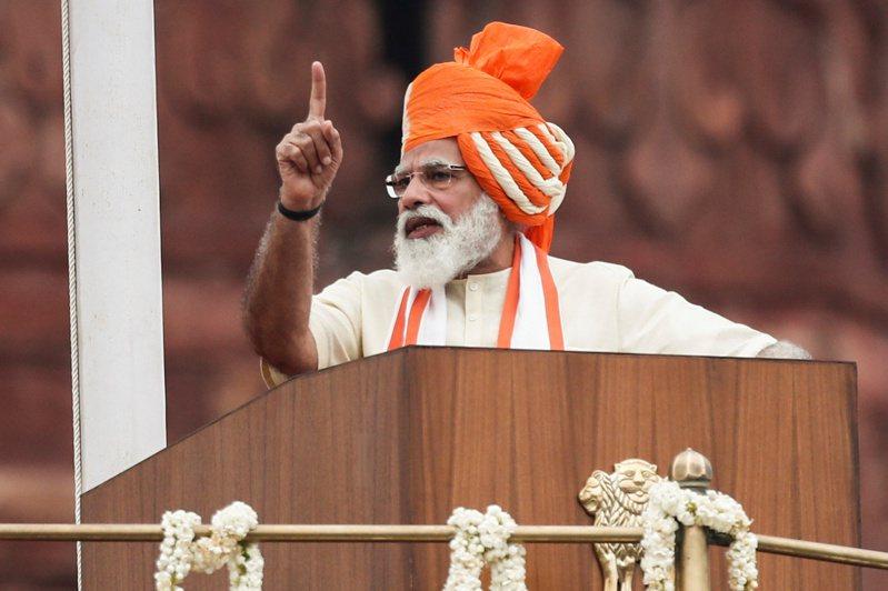 印度總理莫迪警告,任何覬覦印度主權領土的國家,印度軍隊都會做出回應,意指中國和巴基斯坦。 路透