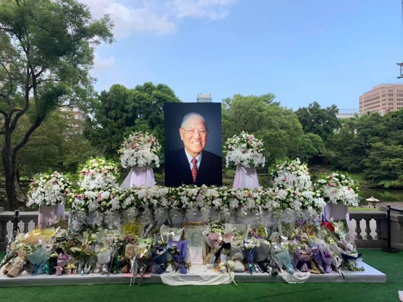 總統府在台北賓館設置前總統李登輝追思會場,對外開放,16日是最後一天。圖/取自王燕軍臉書