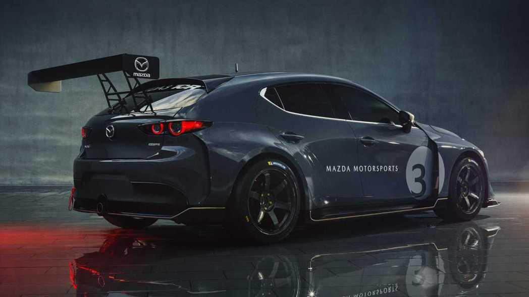 全車套件採用TCR賽事規範,讓Mazda 3有著跟原廠車不一樣的感受。 摘自Ma...