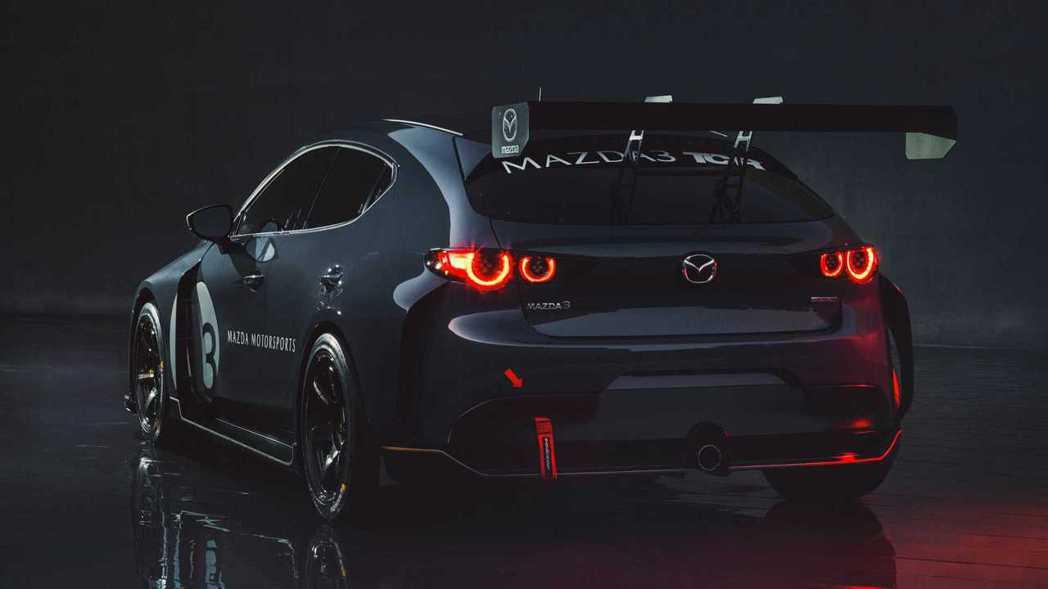 Mazda 3 TCR賽車除完全符合車輛賽事規範外,也全面升級可調式雙A臂懸吊系...