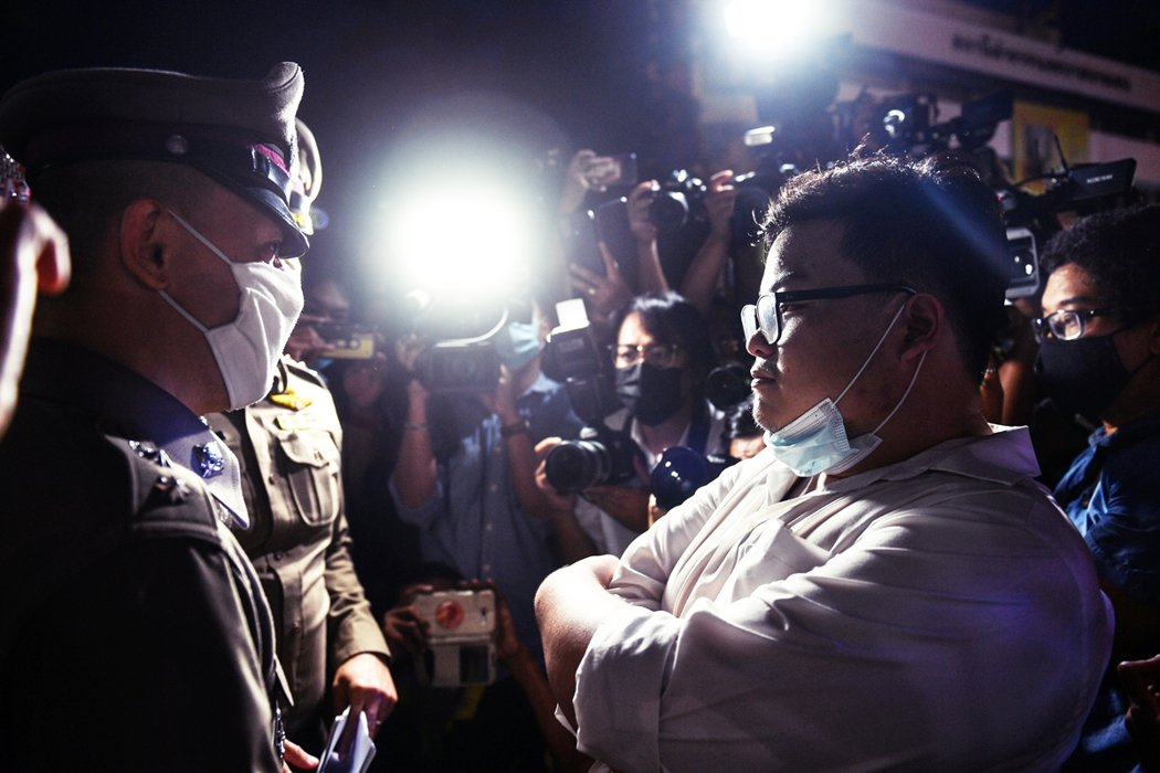 泰國社會各界固然有同情與支持青年的聲音,但對於君主制的存廢仍舊沒有一致共識。學運...