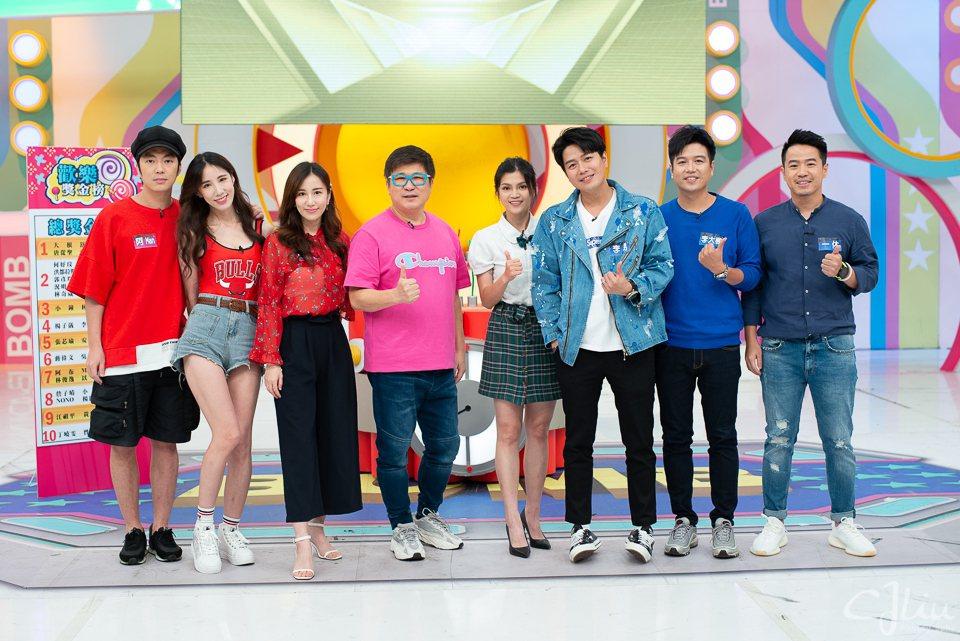 衛視中文台「歡樂智多星」阿Man(左起)、黃喬歆、APPLE、胡瓜、瑪莉亞、李易