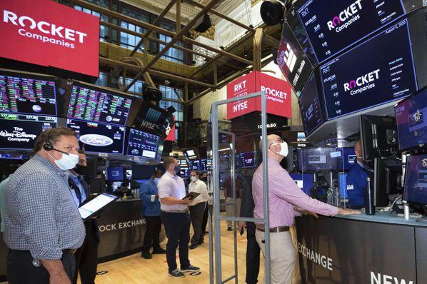 主要國家積極擴張性財政政策與貨幣政策,為金融市場挹注大量資金活水,激勵股市估值上...