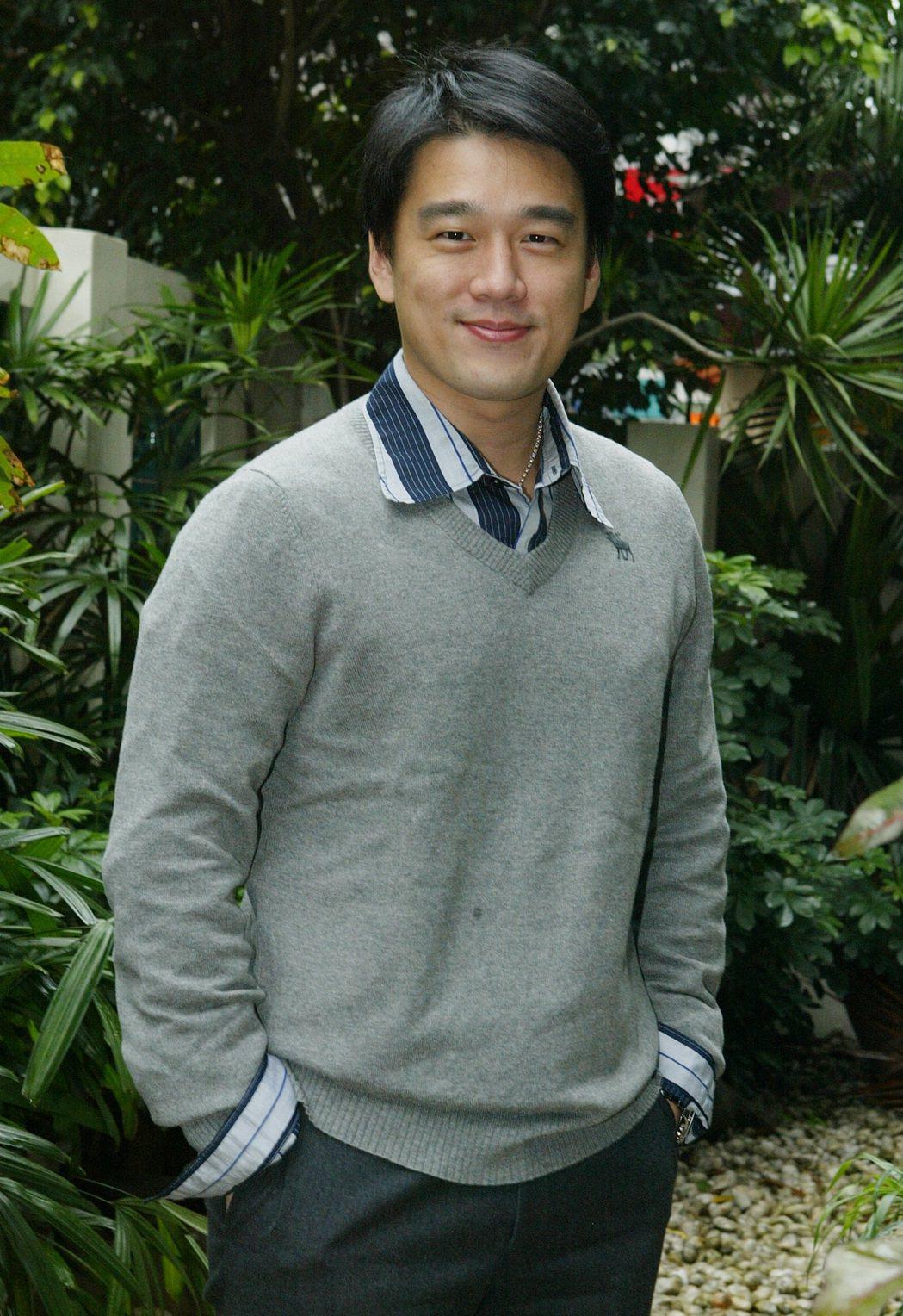 2008年王耀慶拍攝「黑道診所」殺青照。 記者王忠明/攝影