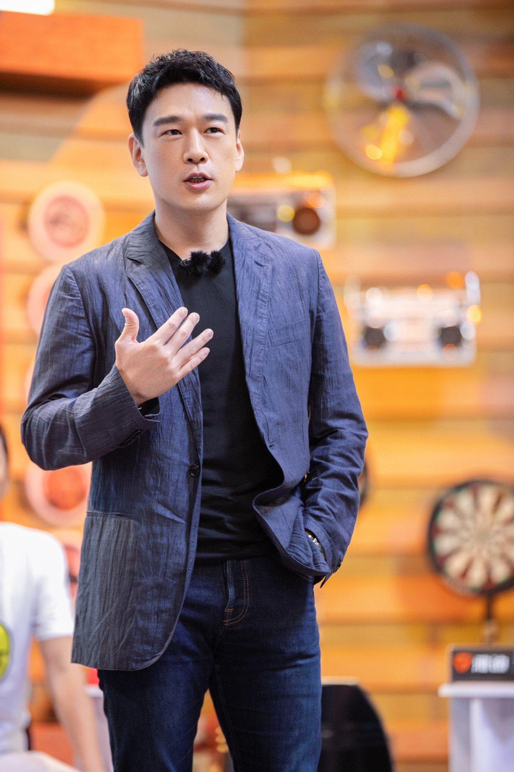 王耀慶赴陸發展已逾10年,凍齡模樣羨煞不少人。圖/擷自微博