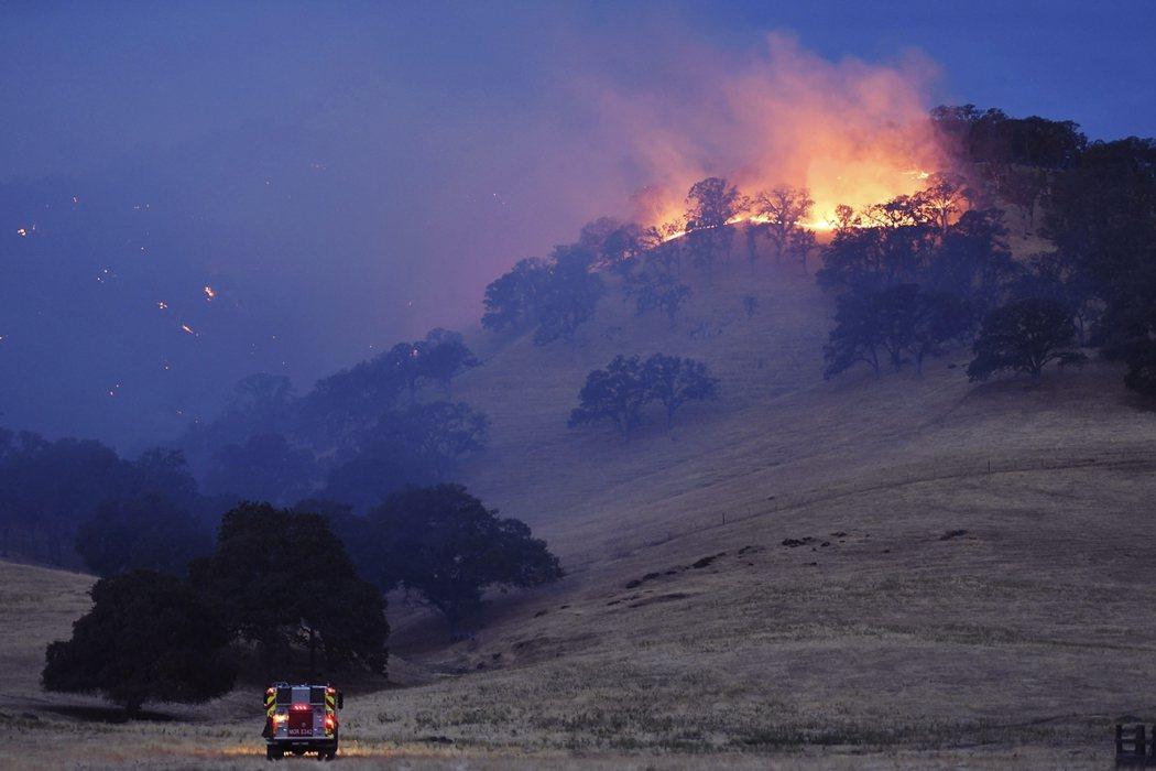 17日加州野火。 圖/美聯社