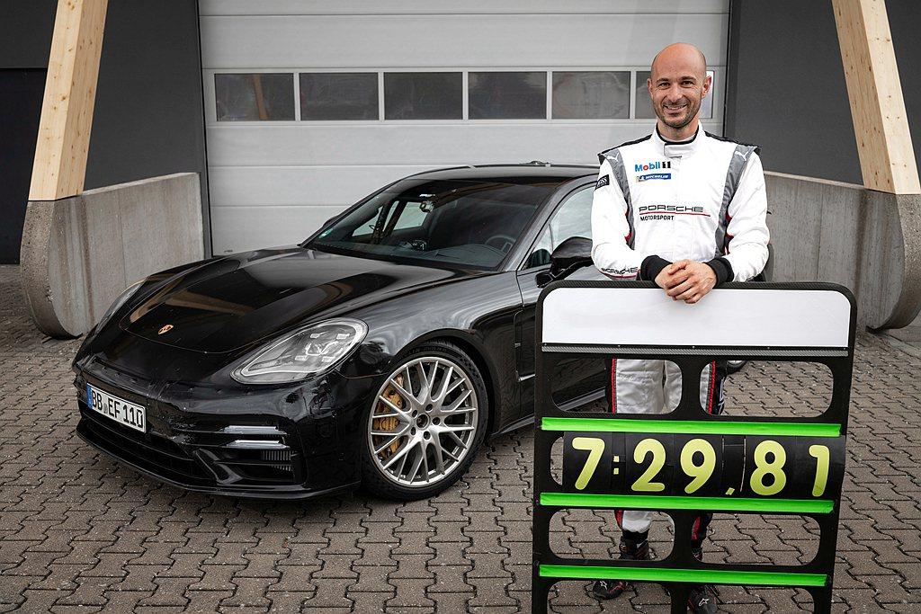 以本次紀錄為例,Lars Kern與保時捷Panamera在賽道馳騁7:25.0...