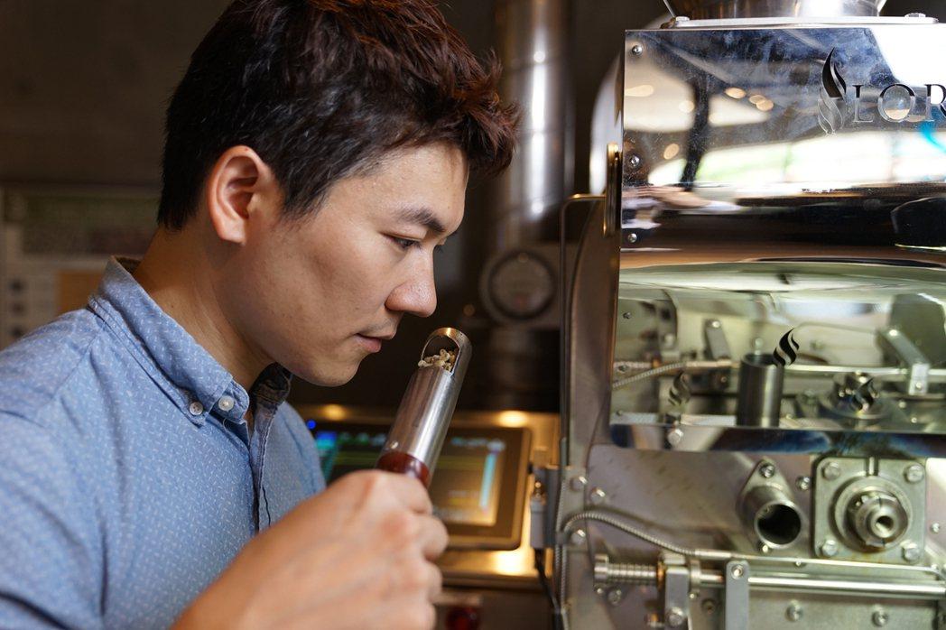 市集亮點品牌包含出身彰化的世界冠軍咖啡師吳則霖「Simple Kaffa」。 圖...