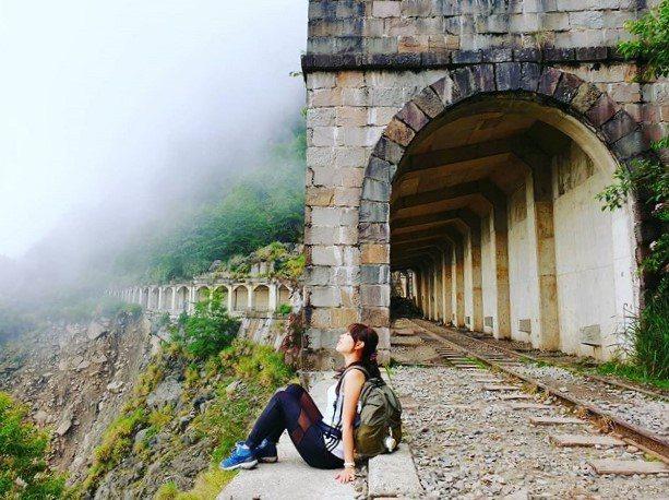 ▲最美鐵道之旅-眠月線明隧道。(圖/攝影者:seatingstar77授權提供, Instagram)
