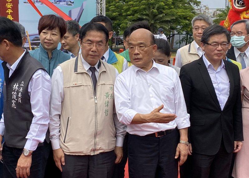 行政院長蘇貞昌(右二)。記者鄭維真/攝影