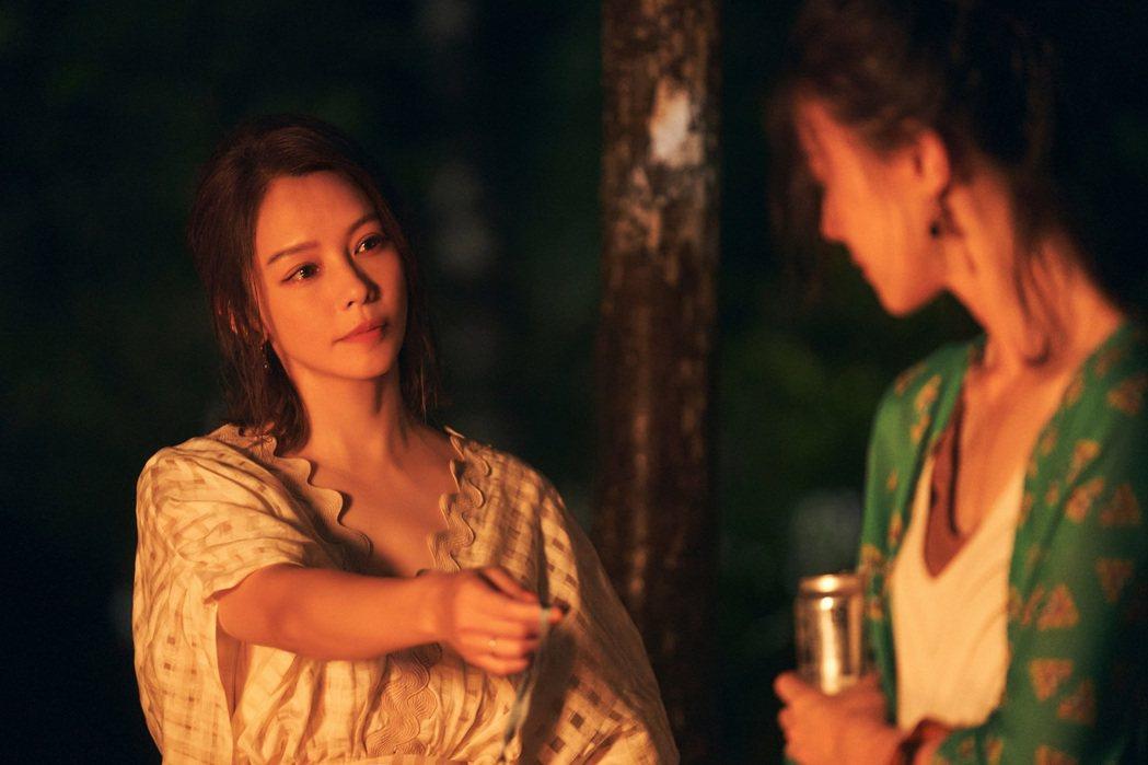 徐若瑄(左)與鍾瑶同時愛上渣男。圖/索尼音樂提供