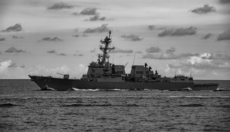 一艘伯克級驅逐艦USS Mustin 馬斯廷號驅逐艦(DDG 89)今(18日)通過台灣海峽。圖/馬斯廷號驅逐艦臉書粉專