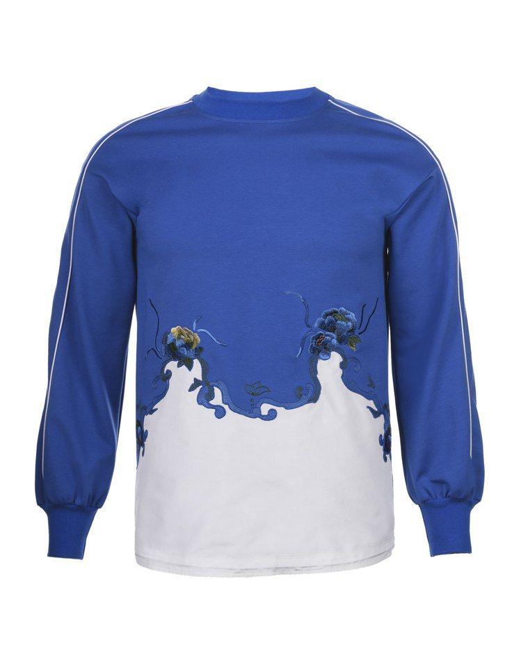 藍白拼接休閒棉衫,21,800元。圖/夏姿提供