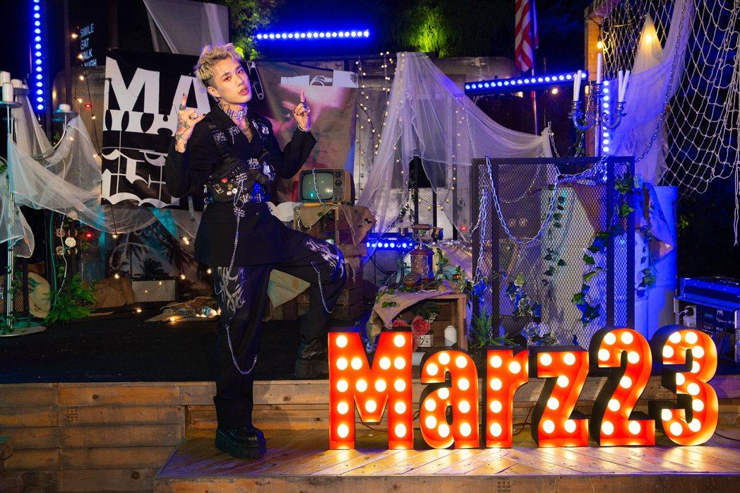 Marz23(阿夜)將在23日舉辦個人首場演唱會。圖/華納音樂提供